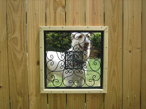 Окно в заборе