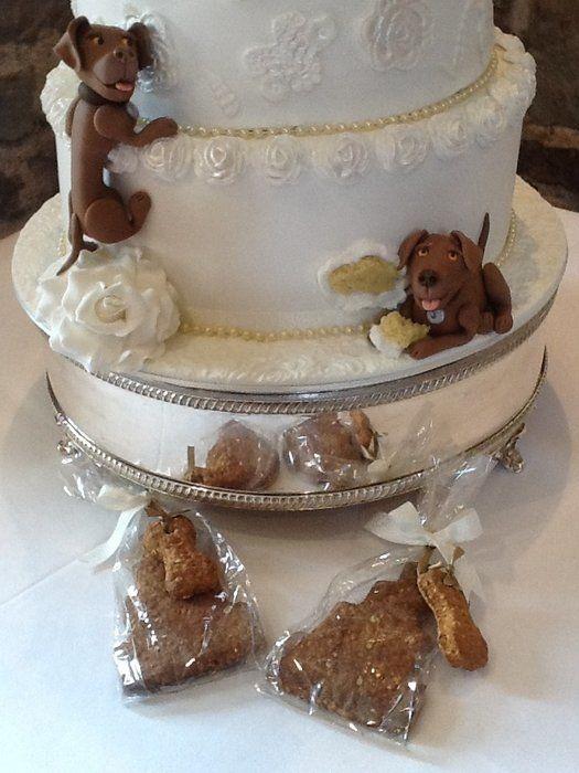 Собаки на свадебных тортах